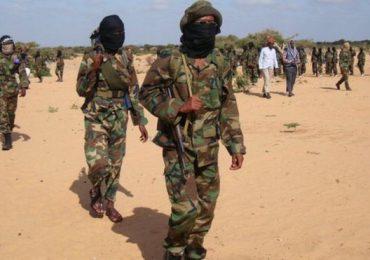 Wararkii ugu dambeeyay Khasaaraha, weerar ku billowday ismiidaan oo ay Al-Shabaab ku qaadeen Saldhig Ciidan