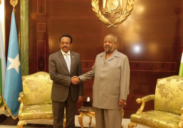 Somali President holds talks with his Djibouti counterpart