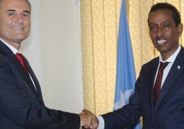 Somali FM meets new rep of UN Refugee agency