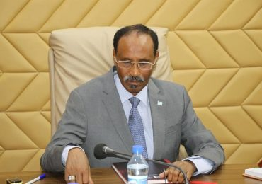 Finance minister lauds IMF's move to restore relations with Somalia